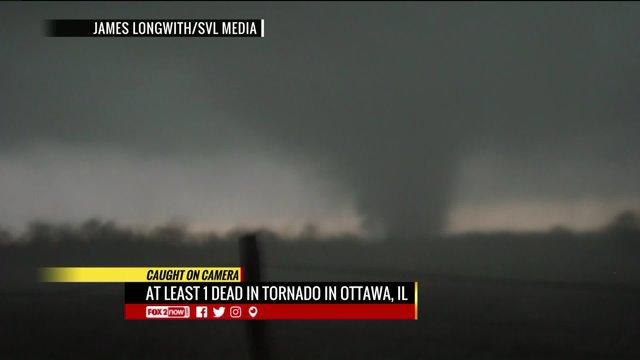 Tornado caught on camera near Ottawa,Illinois