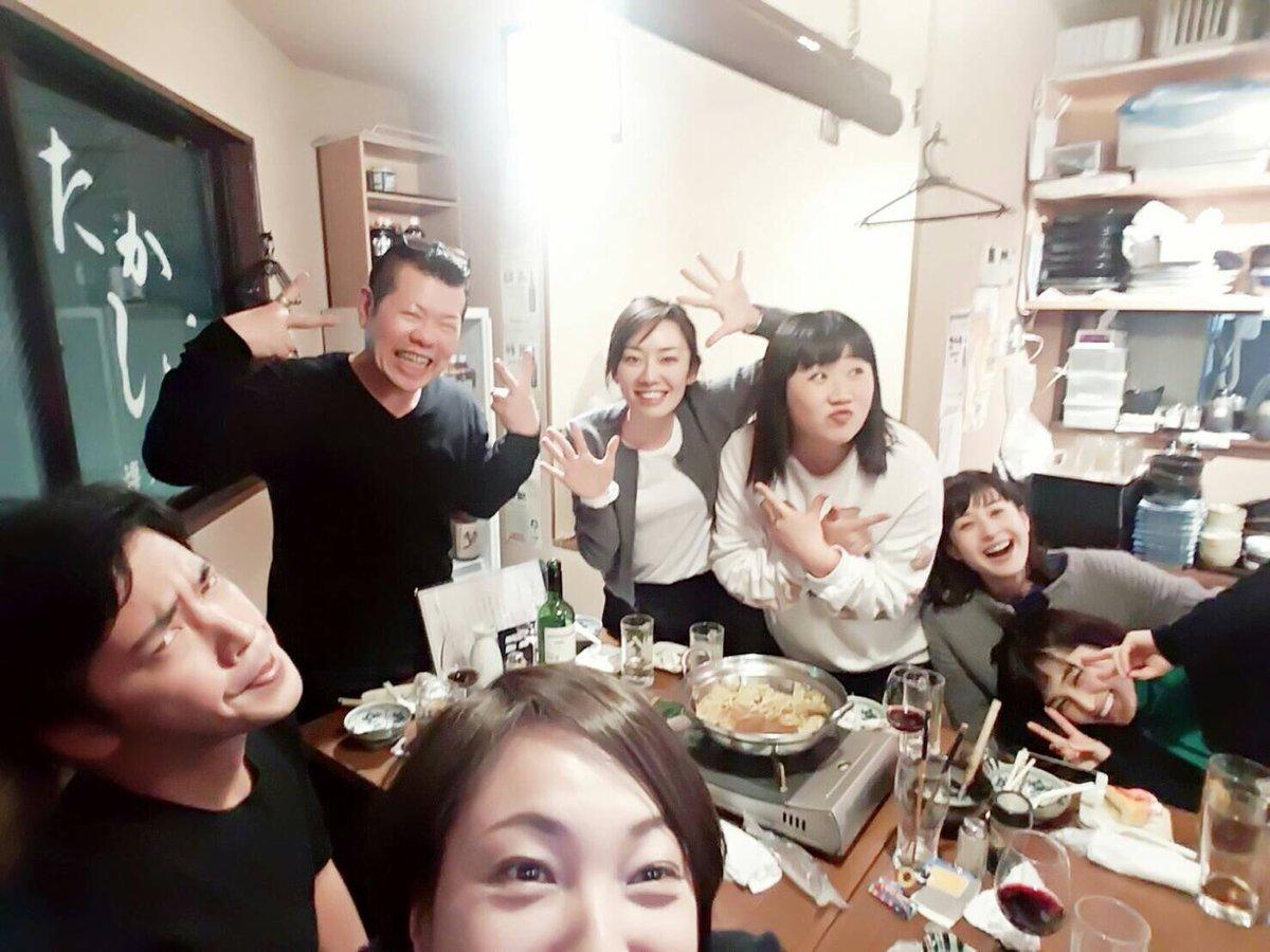この間の懇親会の写真をペタリ。土平ドンペイさん、えまおゆうさん、佐藤祐基さん、橋本真実さん、松本若菜さん、岡本玲さんとY