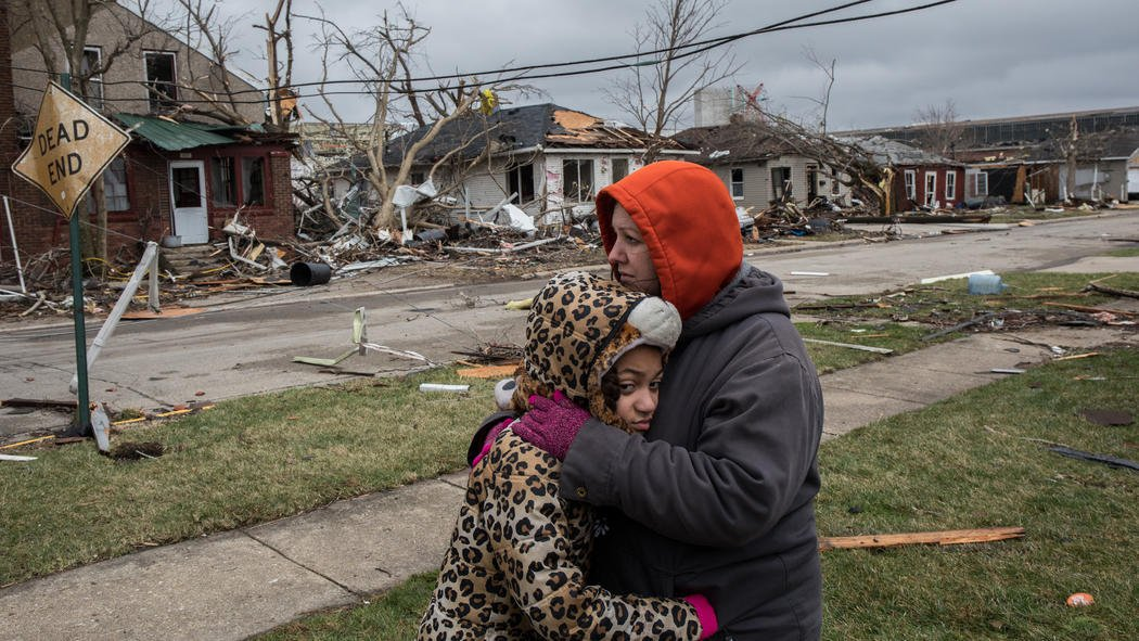2 killed after severe weather hits downstate Illinois: 'My whole neighborhood is pretty well destroyed'