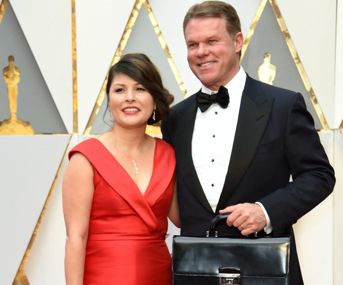 Oscars ban PwC accountants responsible for best picture gaffe