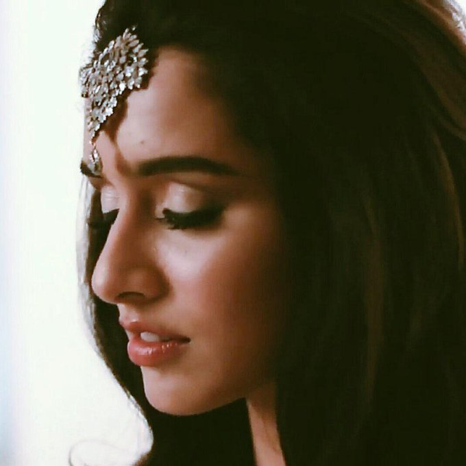 She defines PERFECTION....In the Best way...       Happy Birthday Shraddha Kapoor