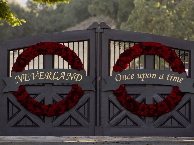 Michael Jackson's Neverland Ranch returns to real estate market:
