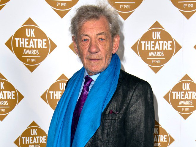 .@IanMcKellen offers advice to Warren Beatty & Faye Dunaway after the Oscars mix-up.