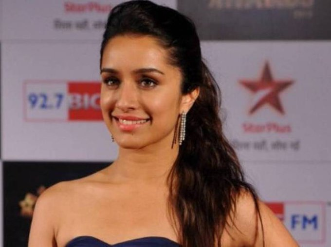 Happy Birthday Shraddha Kapoor on behalf of all the Varuniacs  Have an amazing day! Stay blessed