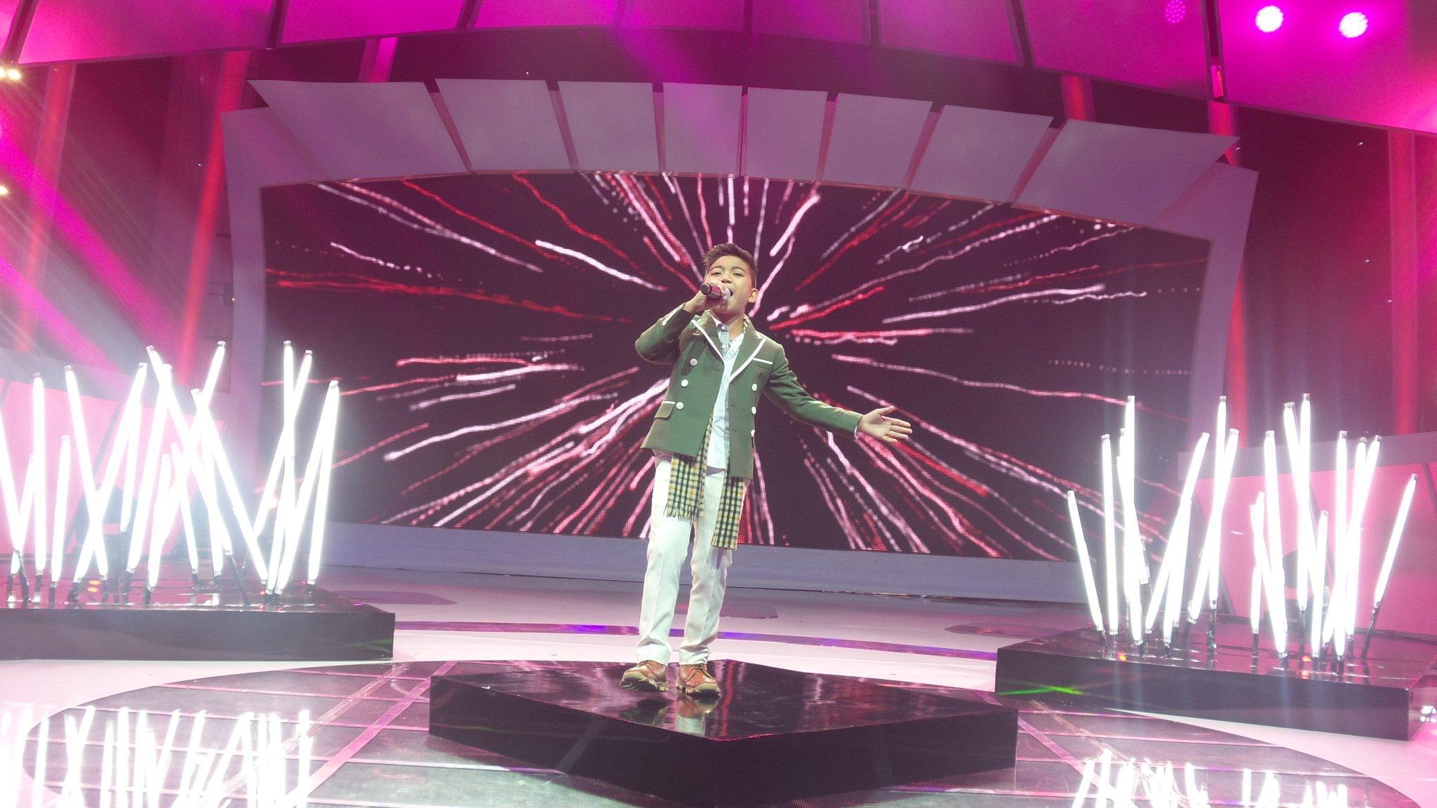 Sayap sayap patah di bawakan dgn enjoy bgt oleh @AyiIdolJr #IdolJrDuetStar @Official_MNCTV https://t.co/iBaMJneMqk