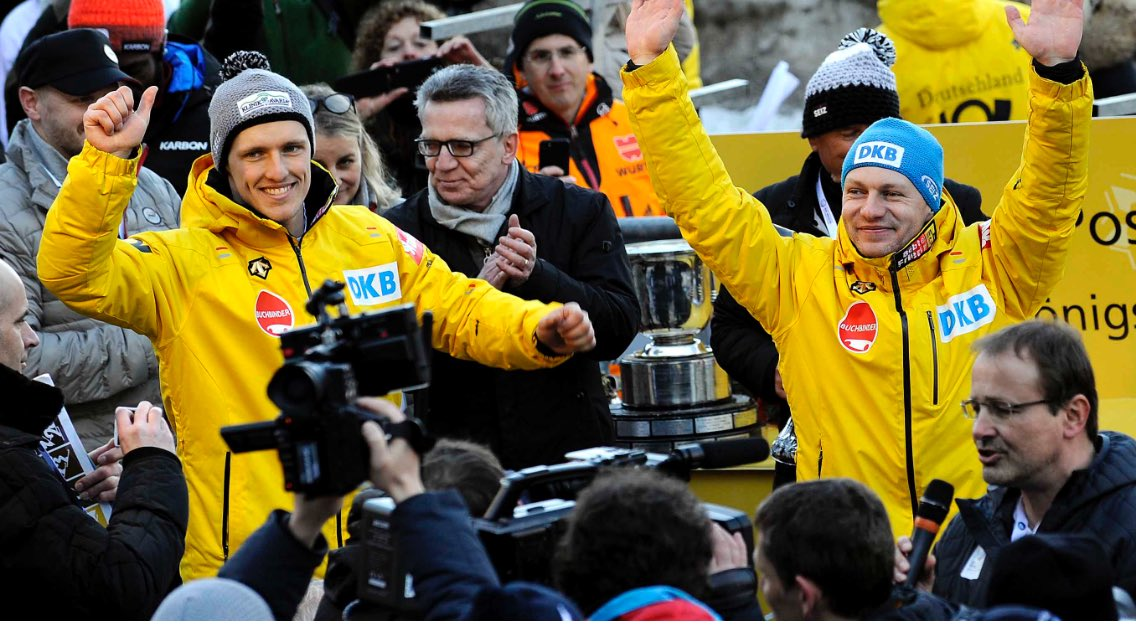 @Friedrich991 und @thorstenmargis zum 4. Mal Zweierbob Weltmeister #WirfuerD #BMWworlds17 https://t.co/FiqWs5tkLW