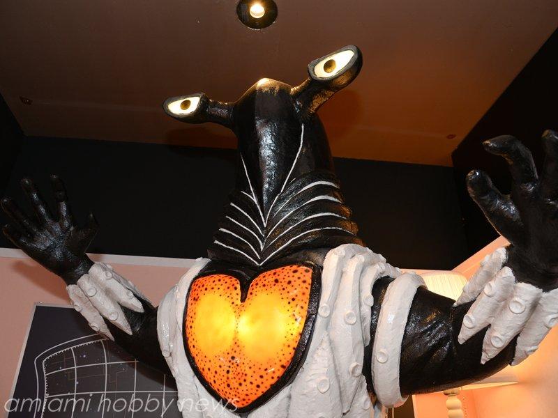 帰ってきた怪獣酒場では誕生月だとペガッサ星人がいるアンヌの部屋に入れました #ウルトラセブン #TVK