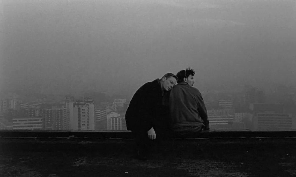 RT @OnePerfectShot: WINGS OF DESIRE (1987) Director of Photography: Henri Alekan | Director: Wim Wenders https://t.co/K6XXZ64KpY