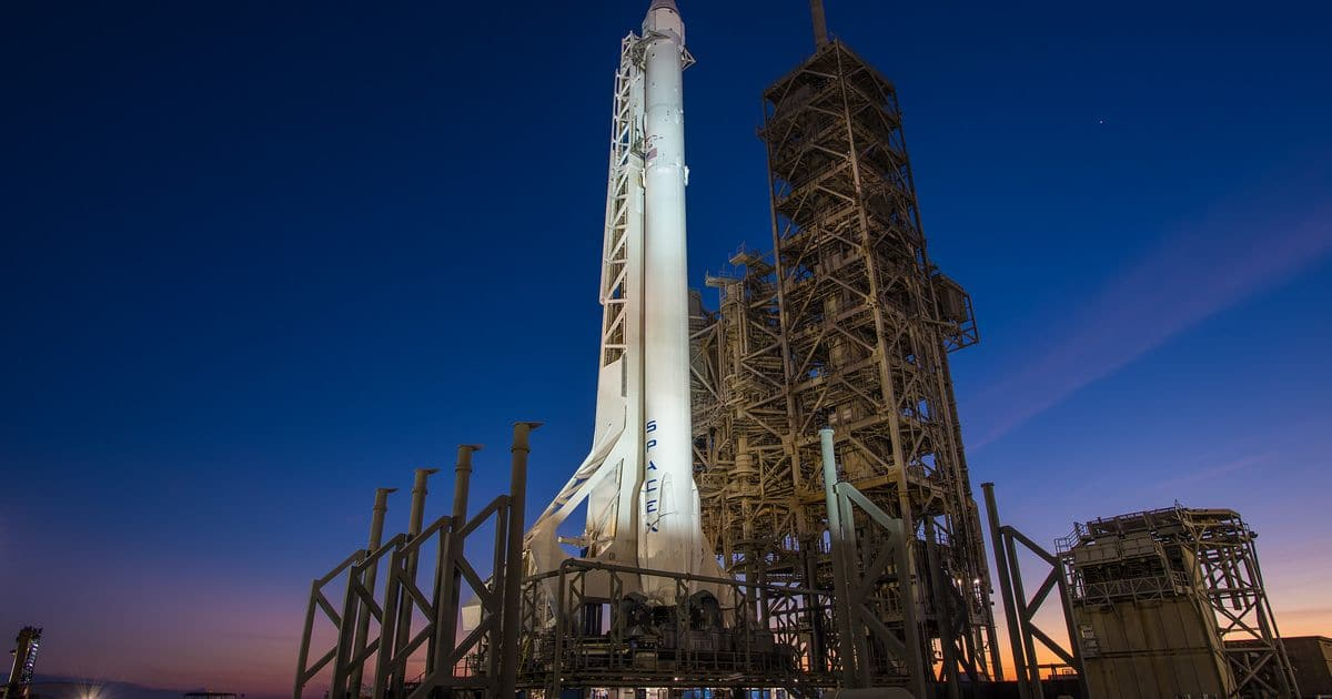 SpaceX Falcon 9 rocket blasts off, lands at Cape Canaveral