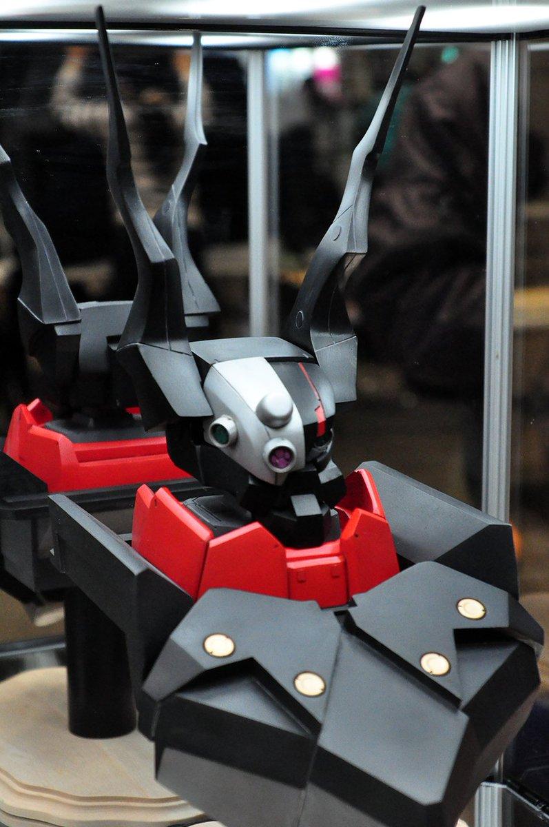 そして作品#003がさんの「クロムクロ—バストアップモデル」です。このケースにぎりぎり入っているデカスケール感に圧倒され