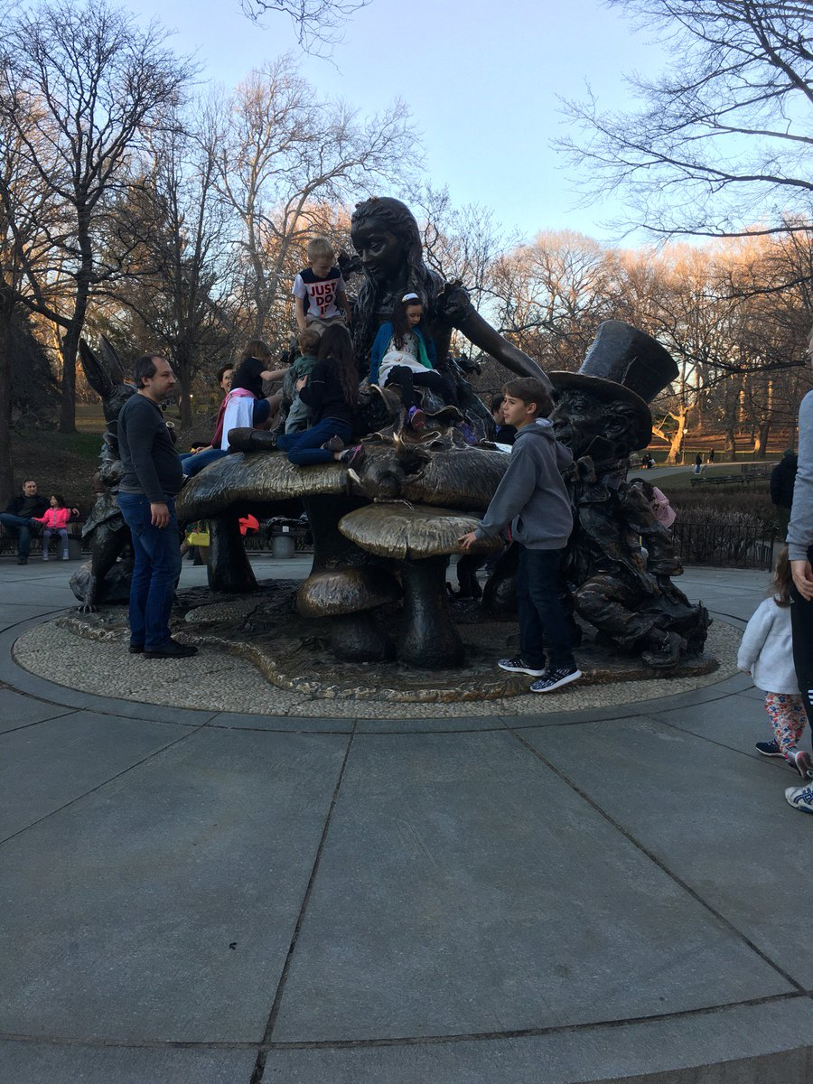 #Alice #CentralParkNYC (@ Alice in Wonderland Statue - @nycparks in New York, NY) http ...