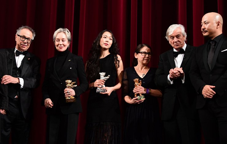 Kim Min-hee wins best actress award in Berlin film festival [VIDEO]