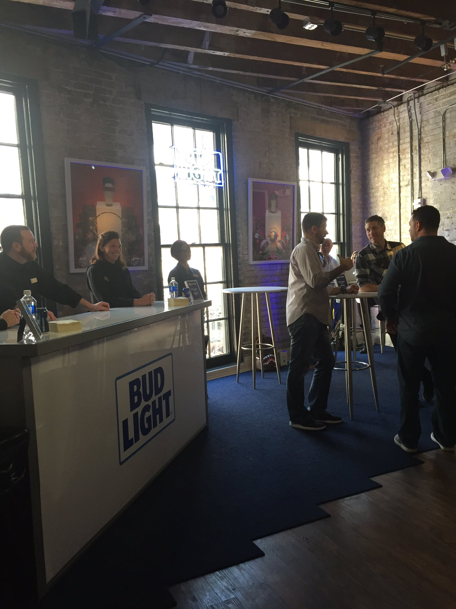 Come socialize this #NBAAllStar Sunday with @budlight at #NBACrossover https://t.co/wiVnR6mNiy