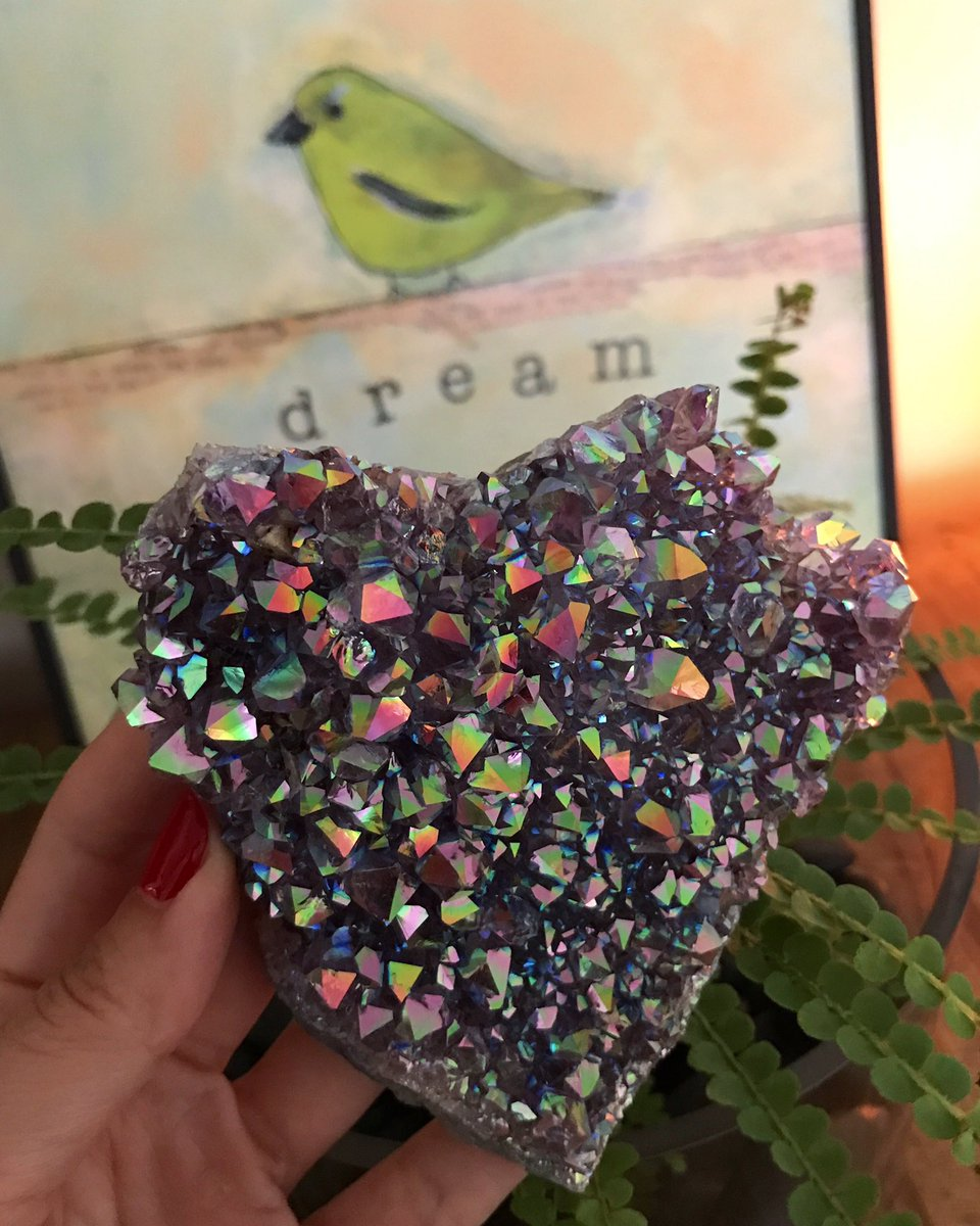 RT @PsychicMojan: Crystal Auction is now Live! Ends Monday, February 20 at 7 PM PST. 🍬https://t.co/UPQHVoq9MM https://t.co/28aJipcjqN