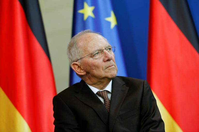 Schaeuble denies 'Grexit' threat, says Greece on right path