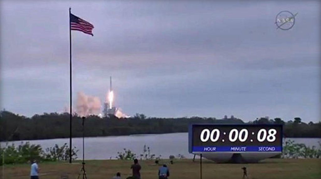 SpaceX launches Falcon 9 from historic NASA pad at Kennedy Space Center: