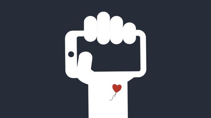 « Facebook n'est pas un réseau social, c'est un scanner qui nous numérise » @aral répond à Zuckerberg https://t.co/h1mr8SGiPS