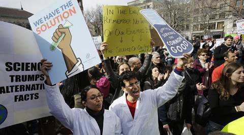 US: Scientists hold rally in Boston to protest threat to science #science https://t.co ...