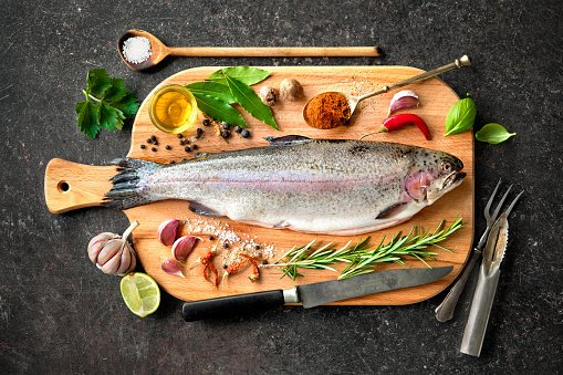 Most of us should eat more fish, especially oily fish. Find out why: https://t.co/T7HJ0V7YHV