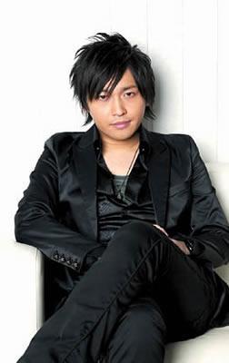 「絶チル」や「俺妹」でのご活躍も、強く印象に残っています(・∀・)  RT : 中村悠一さん誕生日おめでとうございます。