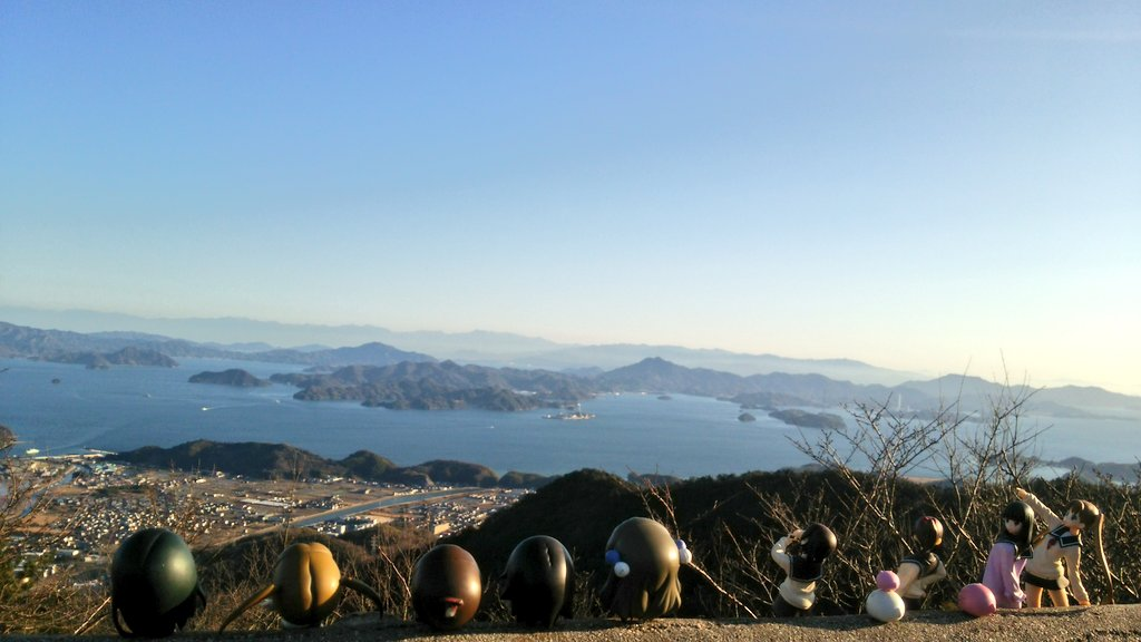 もういっちょ(* ̄∇ ̄)ノ朝日山から瀬戸内を眺める娘たち(*´∇`*)#tamayura #たまゆら #takehara