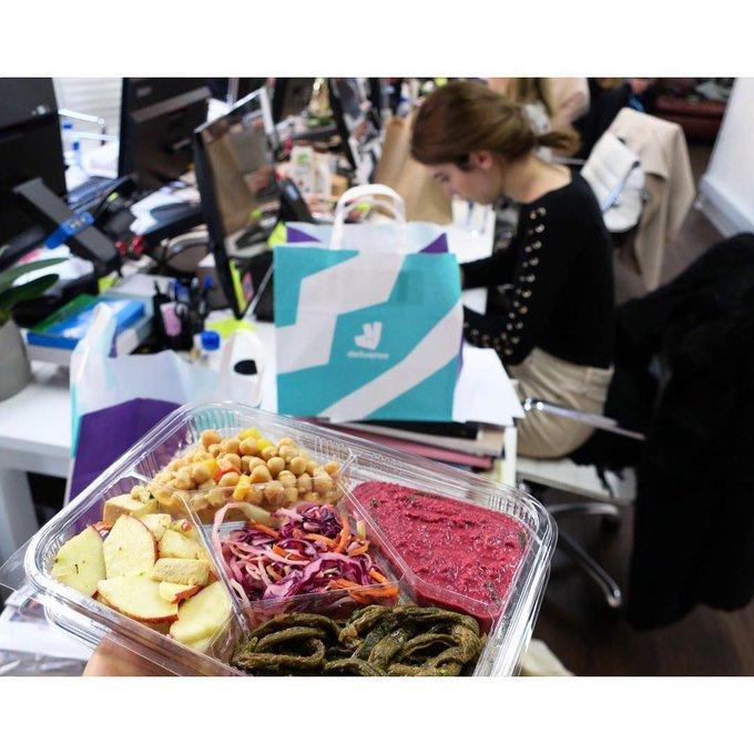 Yeah fuelling London Fashion Week 📸 @sally_jonsson #deliveroo #lfw #fashionweek #london