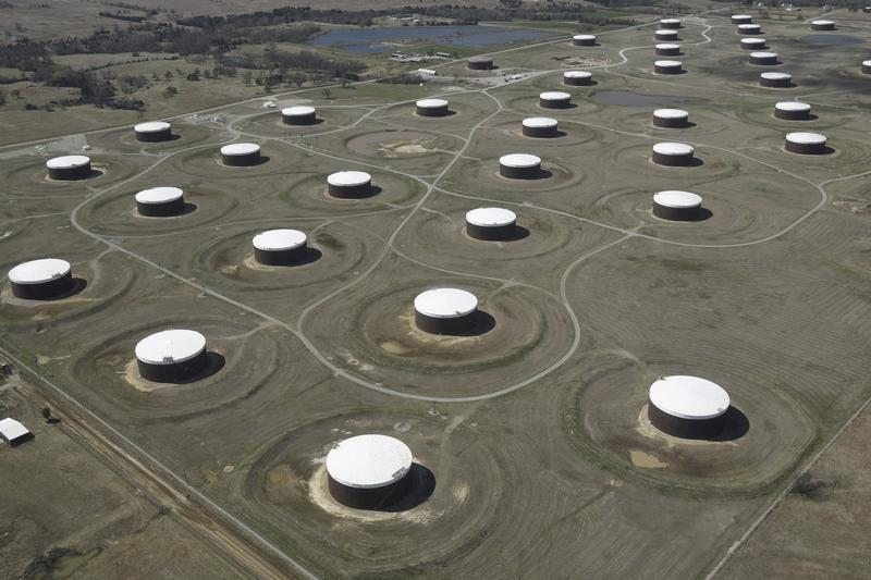 After OPEC cuts heavy oil, China teapot refiners pull U.S. supply to Asia