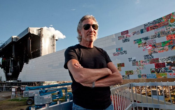 "Roger Waters de Pink Floyd veut jouer ""The Wall"" à la frontière américano-mexicaine pour troller Donald Trump  https://t.co/y7MB1wPC7N"