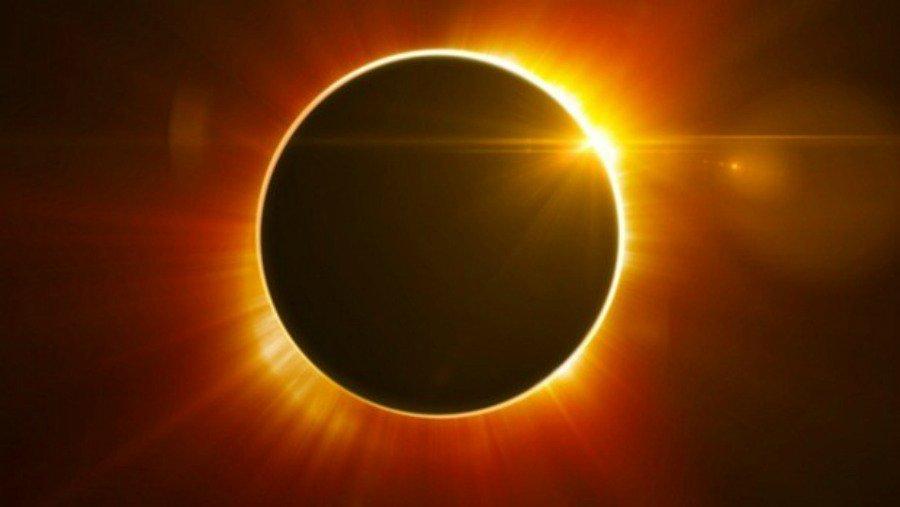 Eclipse Week @StephAzaria Weekly Horoscopes https://t.co/9rM0SqF7hZ https://t.co/SotUh61KvI