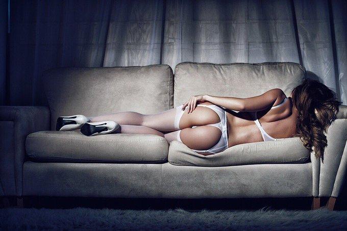 © Karl Shaw #bumdaymonday #ass #bum #lingerie #glamour #model #wishlist Amazon Wishlist🎁😘👉🏻 https://t