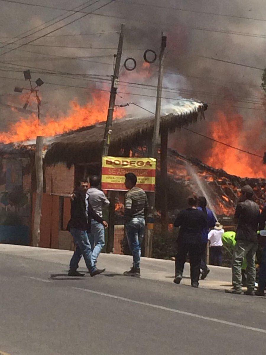 Incendio deja en ruinas un restaurante de Tunja