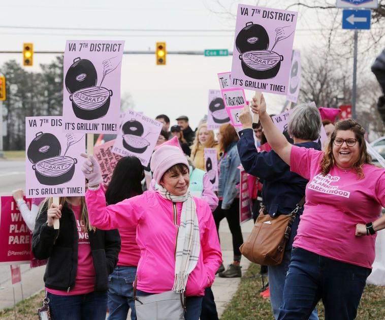 Meet the women who are all up in @DaveBratVA7th's grill: https://t.co/kxHemwCSKc #IStandWithPP #ResistanceRecess