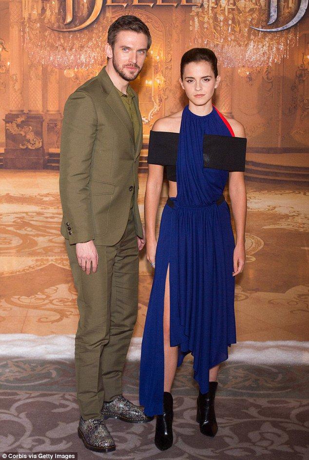 Emma Watson dazzles in a midnight blue gown in Paris with co-star Dan Stevens https://t.co/wtIZUWwhTO