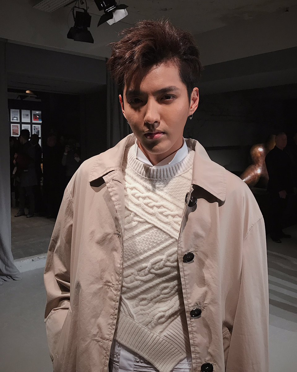 #KrisWu arrives ahead of the #BurberryShow wearing pieces from the new February 2017 collection #LFW