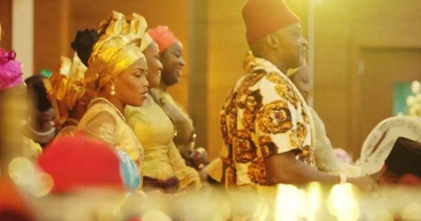 «The Wedding Party», le premier film nigérian qui fait plus d'entrées que les superproductions hollywoodiennes https://t.co/ziYGvVUl53