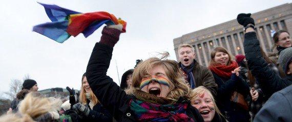 핀란드 의회가 동성결혼 법제화 철회를 요구하는 시민 청원을 투표로 거부하고 동성결혼 법제화를 완전히 확증했다 https://t.co/eaITL9pbZR