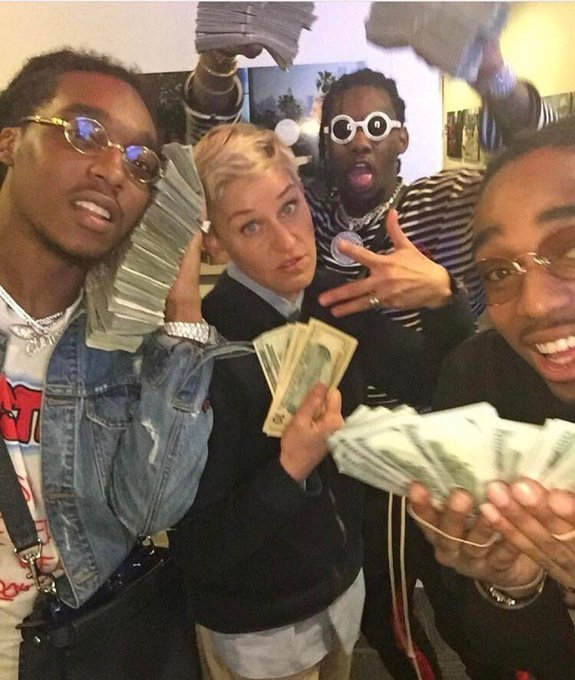 Richest muufucka in this photo is holding up $40 https://t.co/aTQXK1beAp