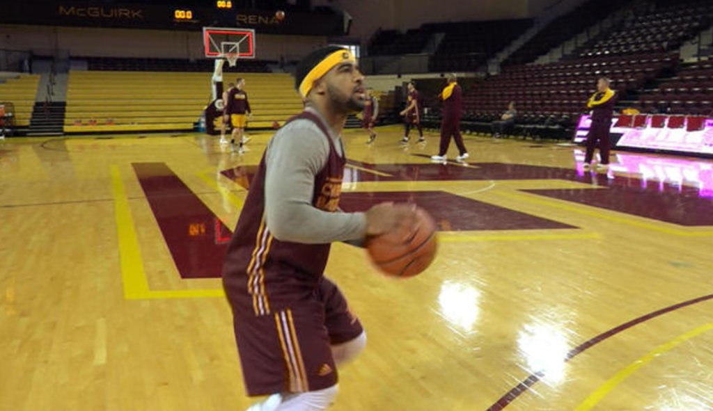 He's diminutive for a basketball player, but don't discount Marcus Keene: he's defying the odds and piling on points https://t.co/pHropx7Vo1