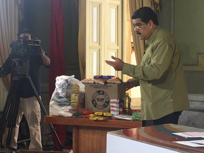 Maduro evade denuncias de la venta de las cajas de comidas que fueron donadas por México, la denuncia costó el cierre de TV AZTECA.