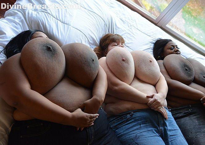 #bigboobs Models Triple Play see more at https://t.co/N3JqdfqCbf https://t.co/j5wvWAtfoq