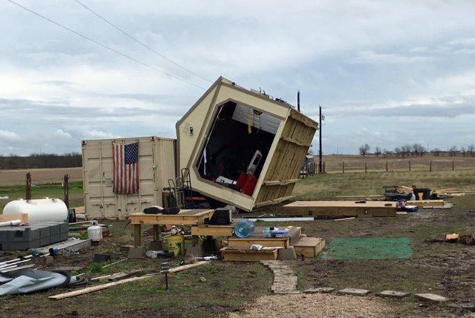 Tornadoes, storms damage dozens of homes in San Antonio area https://t.co/QrAPmu0148