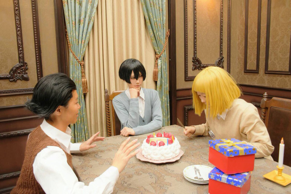 """※コスプレ写真注意""""ケーキ早く食べたい!!""""""""あっ、だ、ダメだよルーチェ…""""""""ルーチェ、父さんたちを待ってよう""""""""むー…"""