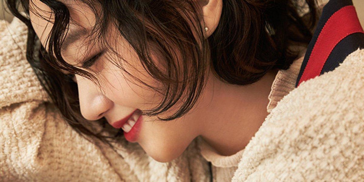 김고은이 밝힌 '여성의 아름다움'에 대한 생각 https://t.co/565ZGoyNgR '기준을 정해 놓고 그것에 저를 끼워 맞추려 든다면 스스로 피폐해질 것 같아요'