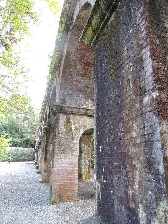 【京だより】この水路閣、1888年に完成したそうです。南禅寺の境内を通ることを考え、周りの風景になじむデザインにしたとか