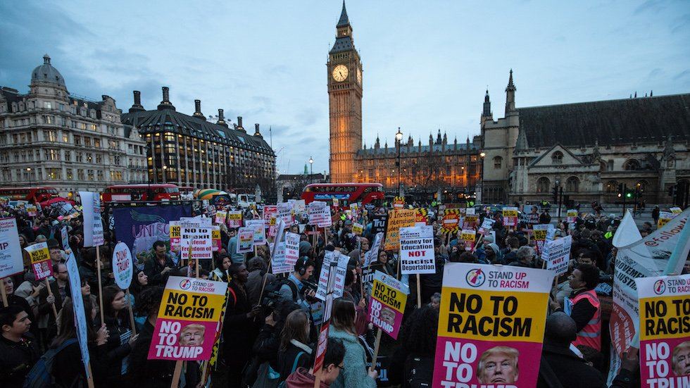 Thousands of anti-Trump protesters rally outside Parliament during debate on official visit https://t.co/eEsqT1iWCT