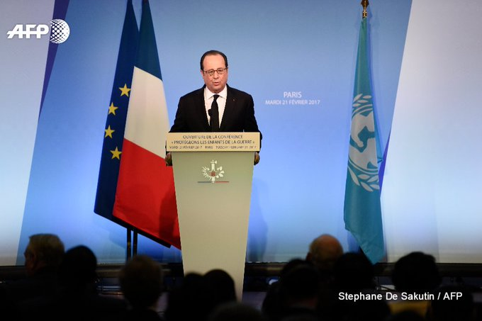 Francois Hollande calls on Britain to take in stranded under-age migrants stuck in France with family in the UK https://t.co/Ns1X6aPYCK