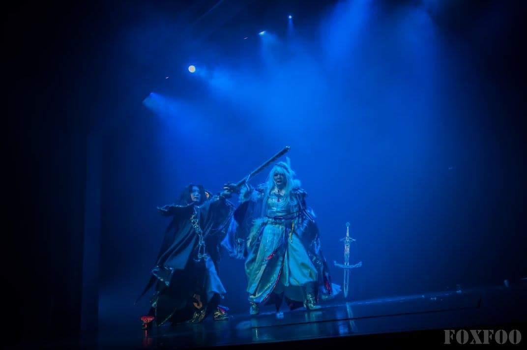 舞台写真もらいました~!めっちゃ幻想的すぎて嬉しいです!Thunderbolt Fantasy 東離劍遊紀第一段凛と蔑。