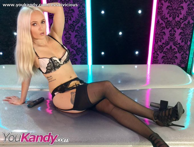 I'm now LIVE on YouKandy Webcams > View Free > https://t.co/vhCm7jOGyd #webcam #camgirls #camshow https://t