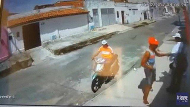 Homem é assaltado por deficiente visual e motoqueiro sem perna no Ceará https://t.co/2gUeBWewmT