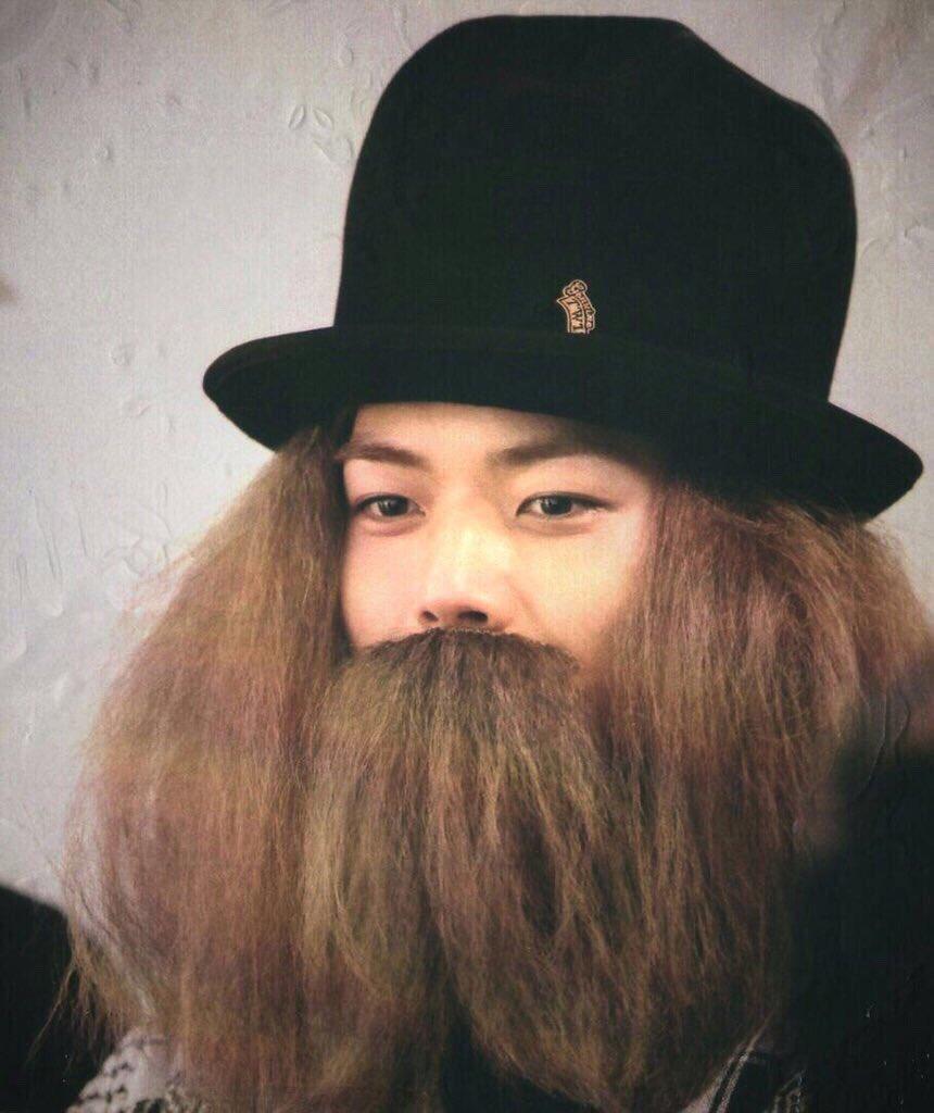 @0915_ARIS ありさちゃん、おはよう。この増田さん見てずーっと思ってたんだけど、ハウルの動く城に出てくる魔法使い